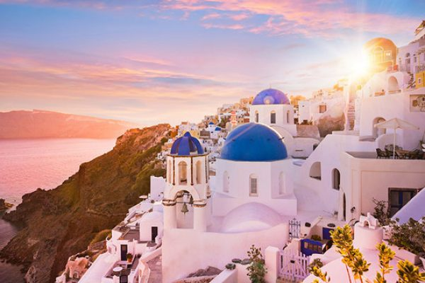 The 39 rules of Santorini